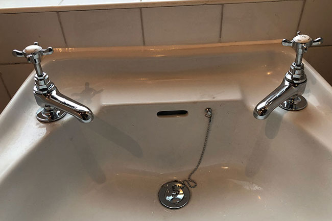 new taps fitting woolwich