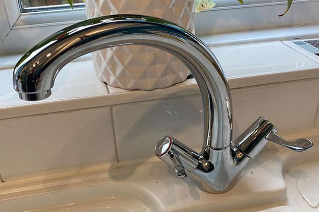 kitchen sink tap installation greenhithe